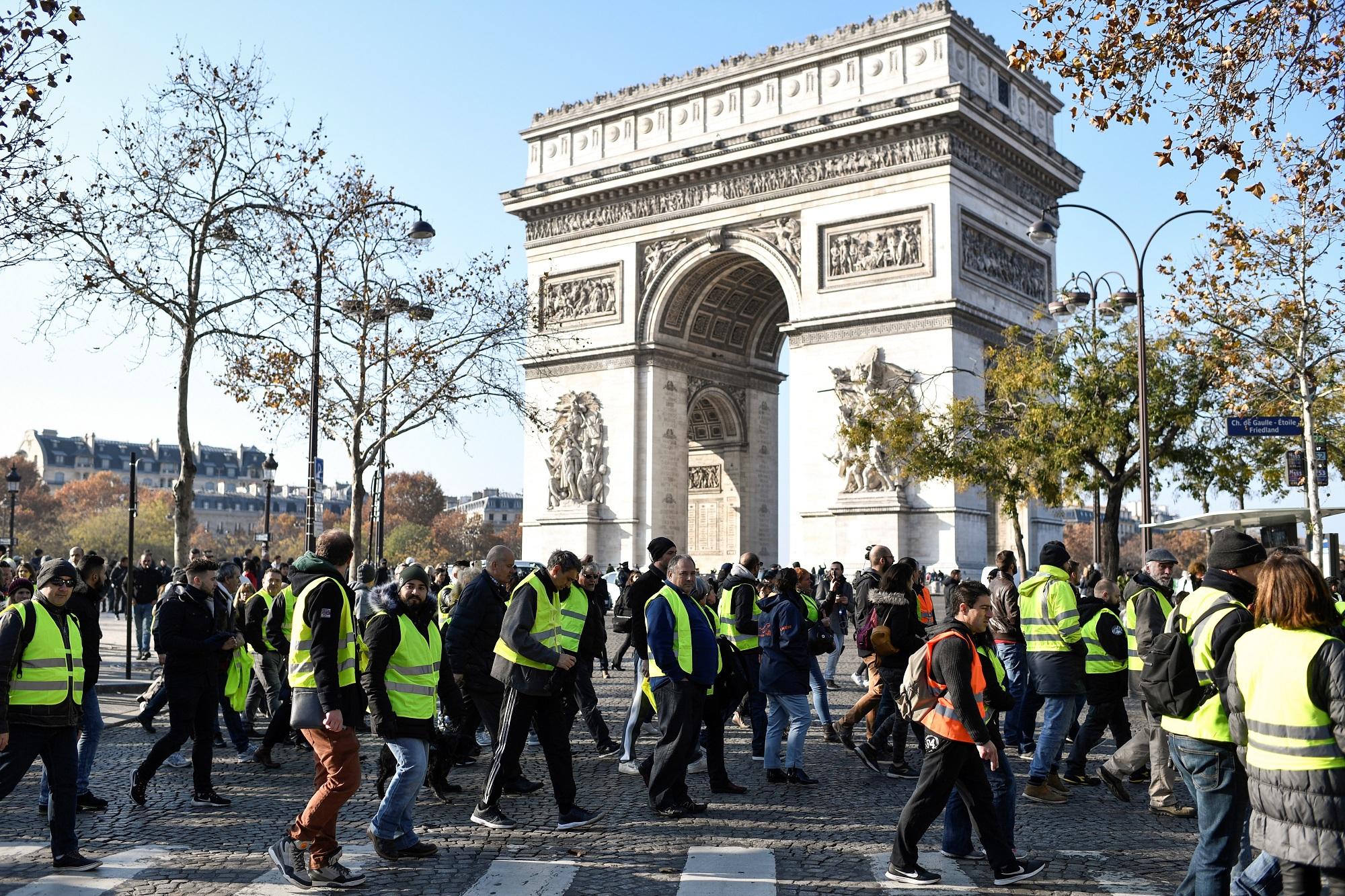 """Des """"gilets jaunes"""", le 17 novembre 2018 à Paris"""