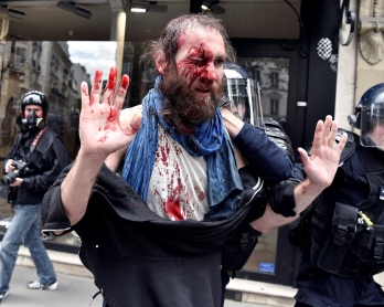 Un manifestant contre la loi Travail, le 14 juin 2016 à Paris